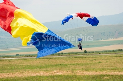 Romanian skydivers land on the field