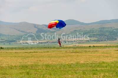 Romanian skydiver reaches the land