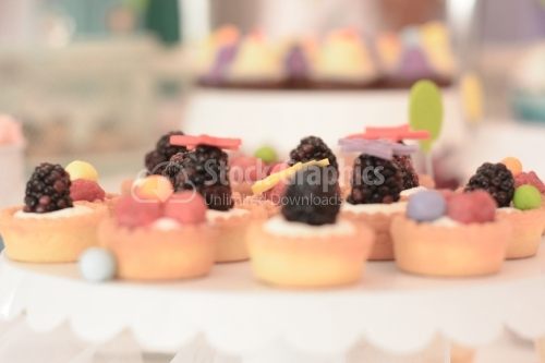 Blackberries mini tarts