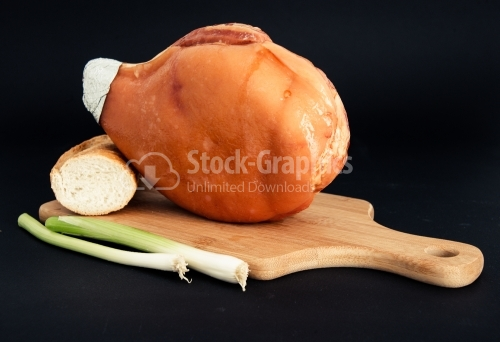 Delicious ham with onion and bread