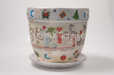Image of beautiful pot with Christmas paintings