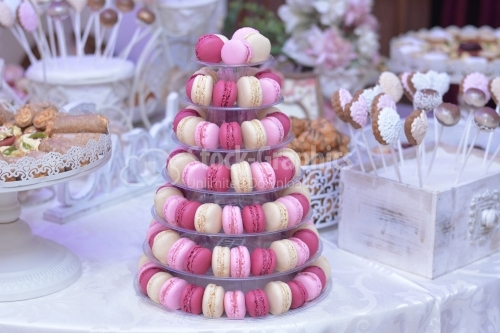 Macarons placed in the form of a pyramid