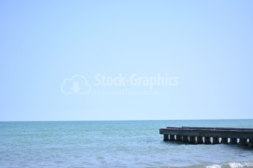 Seaside photo with pier