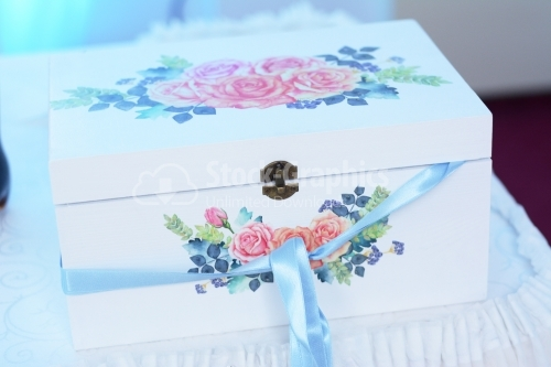 Wedding decorative box with roses bouquet. Box for money